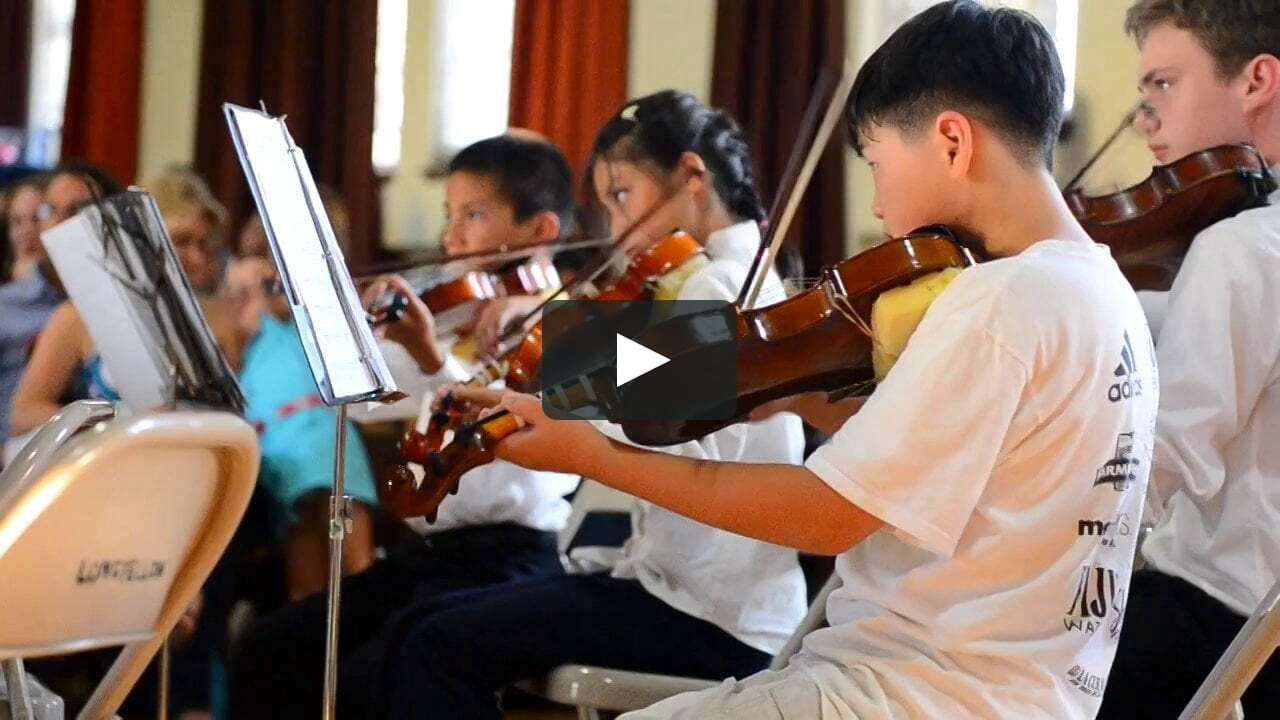 violin students playing